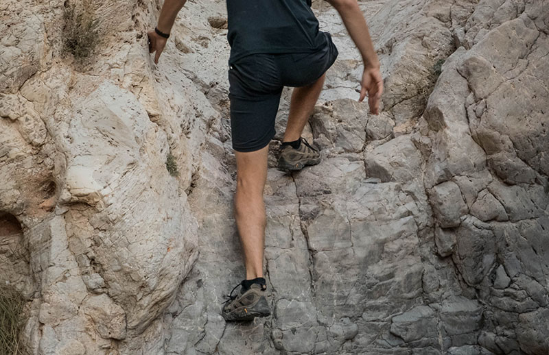 Climbing rocks with merrell moab 2 vent hiking shoes