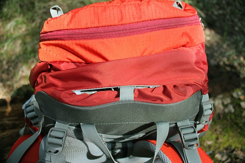 A gap between the lid and the internal frame on the Mountaintop backpack