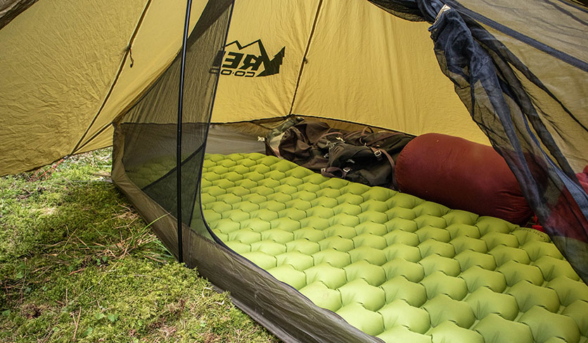 Organizing hiking gear in the rei flash air 1 tent